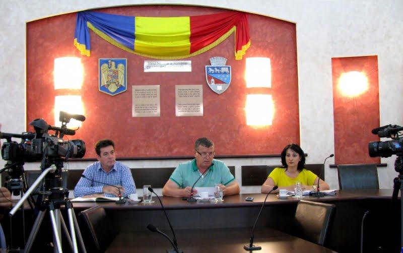 Râmnicu Vâlcea. Noua conducere a Primăriei i-a felicitat pe elevii de 10 ai judeţului