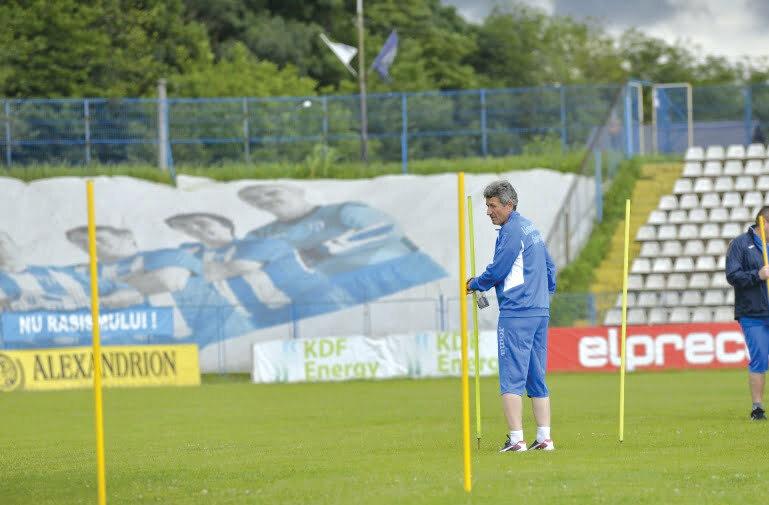 Antrenorul Craiovei şi-ar fi dorit adversari mai accesibili în primele etape