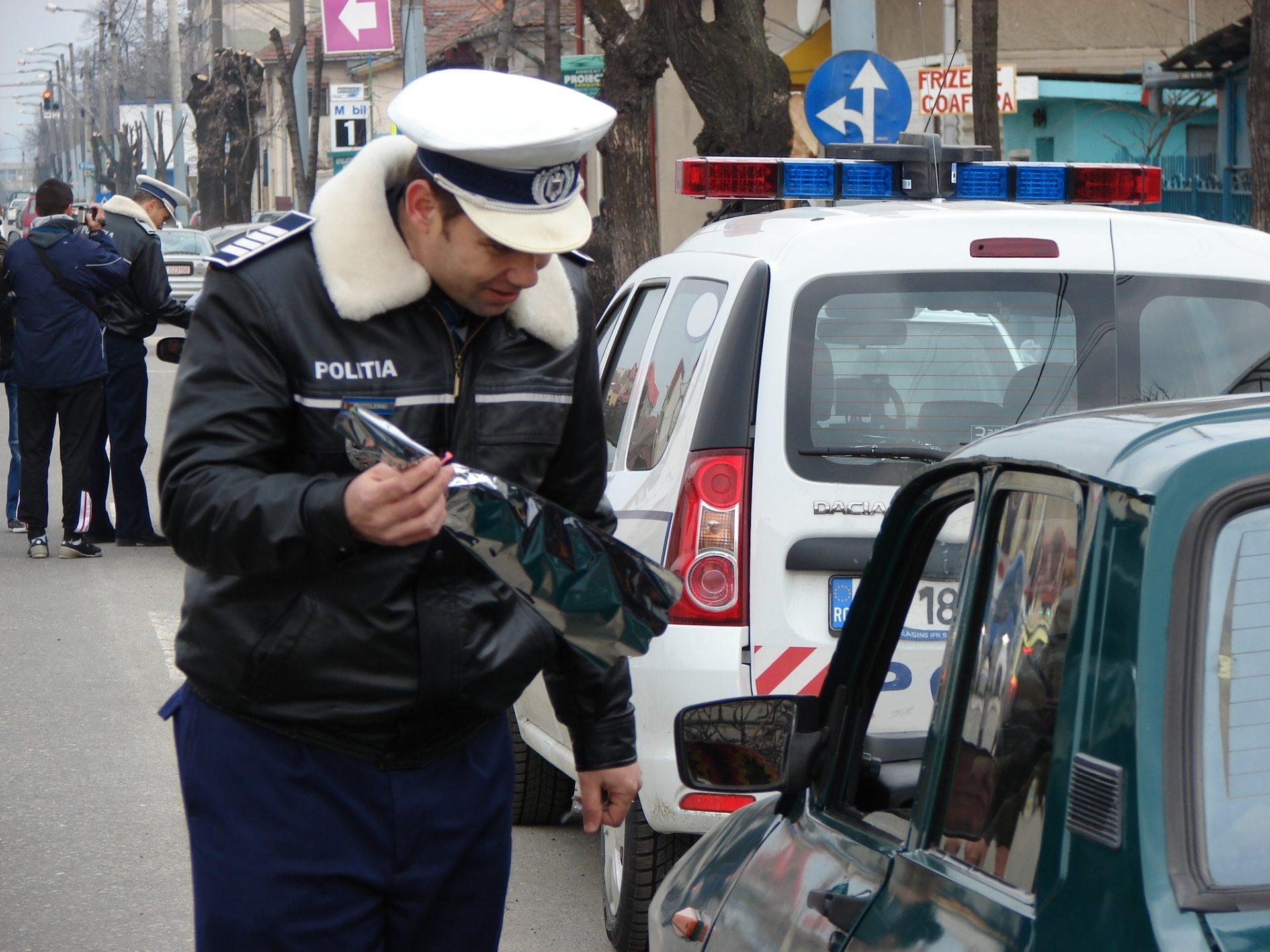 Uluitor! Șoferiţă prinsă beată-moartă la volan, la primele ore ale dimineţii, în Mehedinţi!