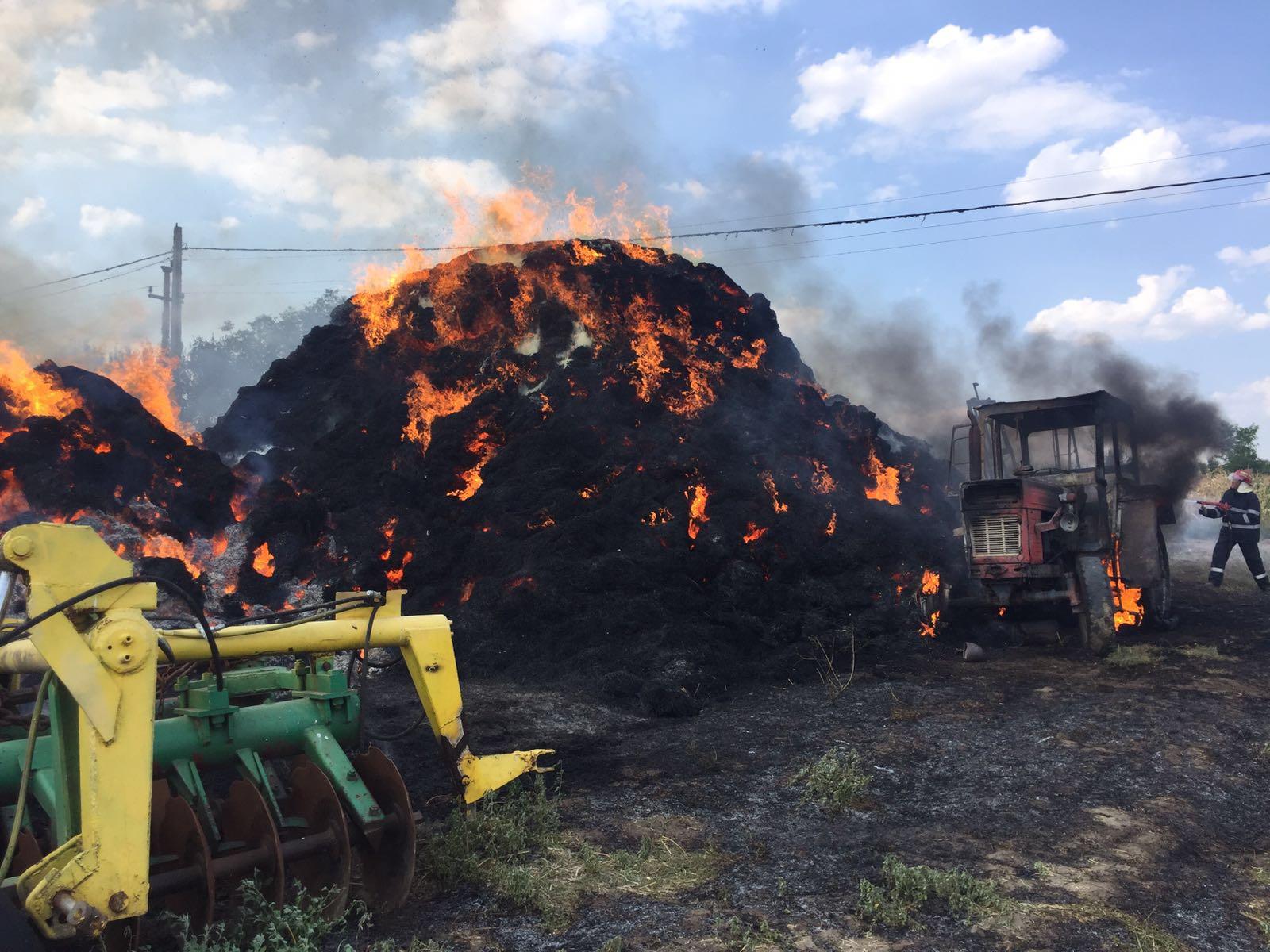 Incendii puternice la două gospodării din Olt