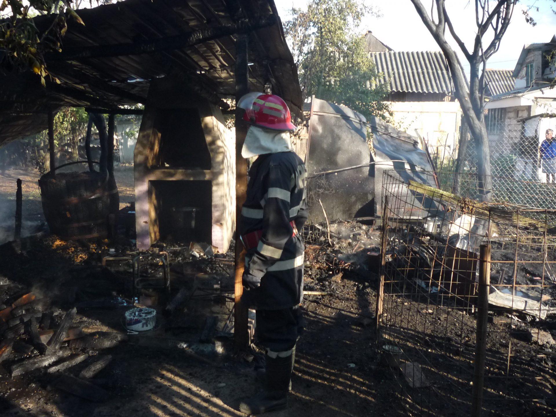 Incendiu la o gospodărie din Olt