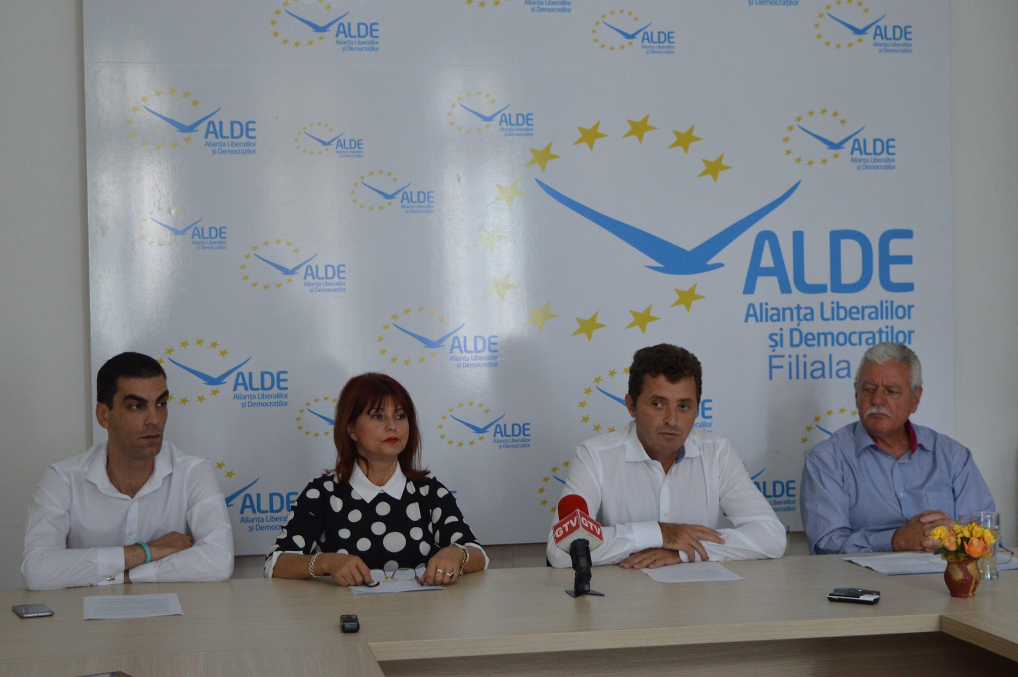 """""""Avioane"""" Craiova, bolile oncologice şi preţurile în RON, dezbătute de ALDE Dolj"""