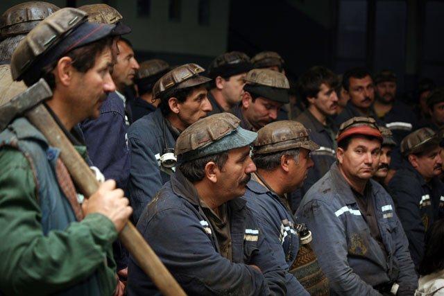 Minerii nu mai au chef de petreceri
