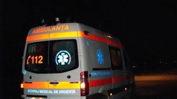 O şoferiţă a ajuns la spital, după s-a răsturnat cu maşina