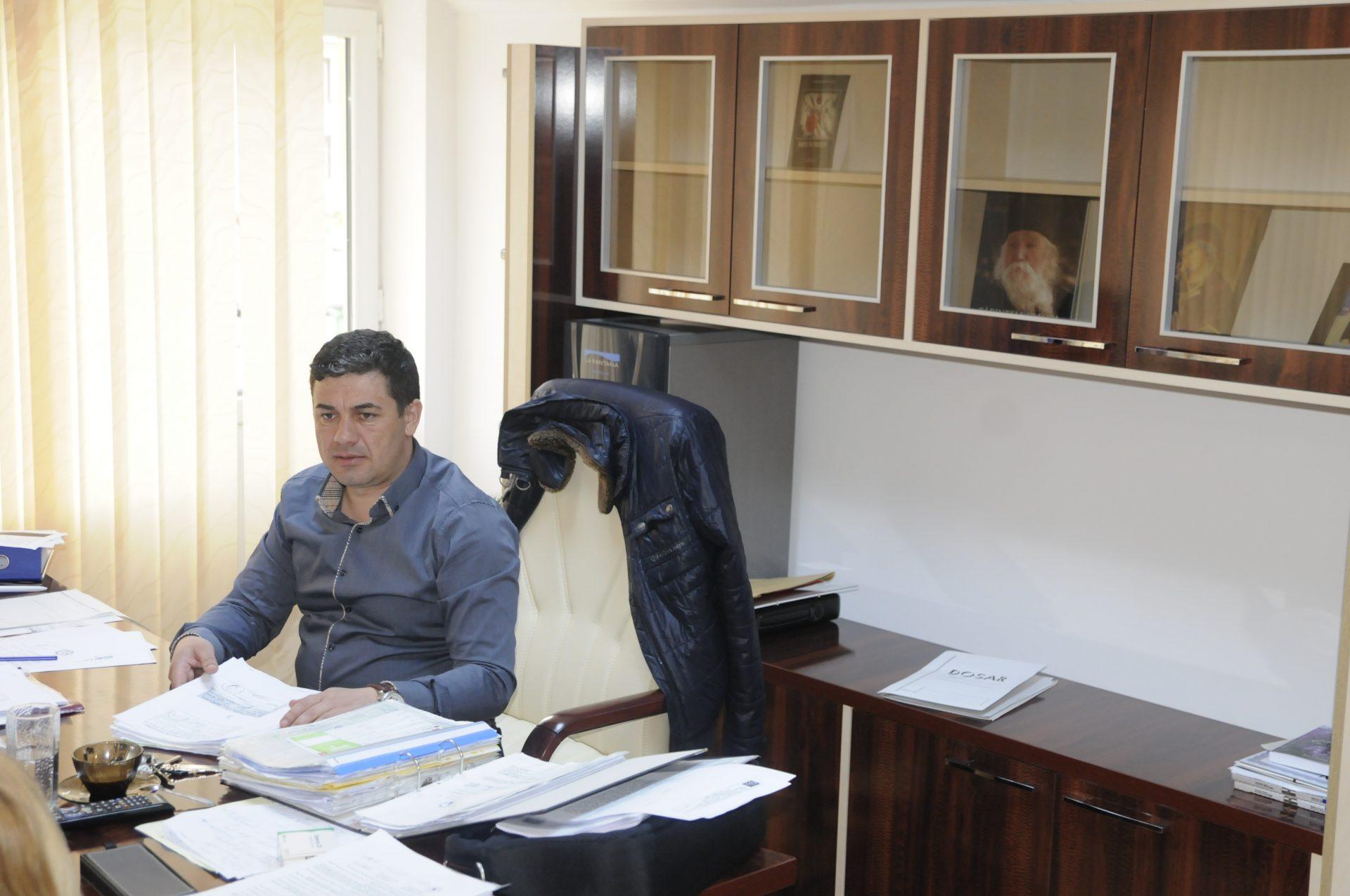 Mehedinţi: Un primar penal se visează parlamentar