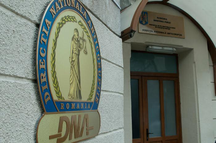 Acuzații de luare de mită la Primăria Șimnicu de Sus