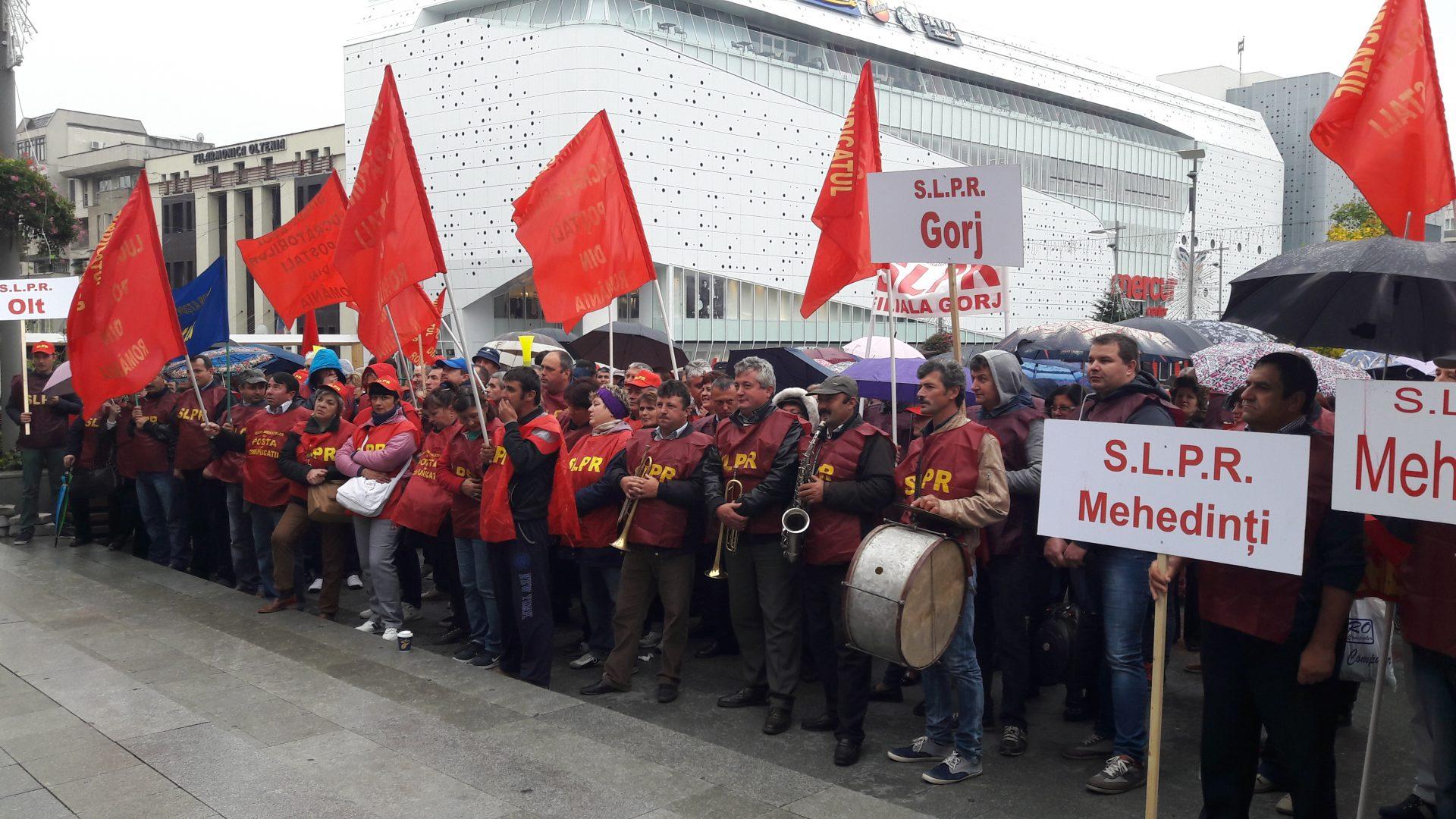 Video/Poștașii, la ultimul protest. Urmează greva generală!