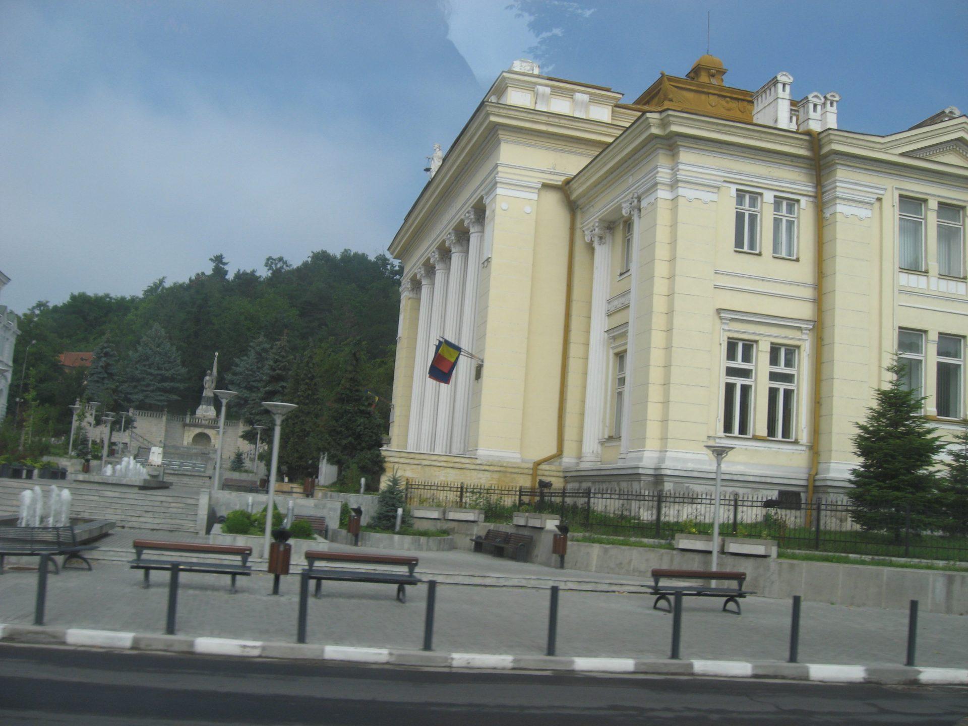 Magistraţii Tribunalului Vâlcea continuă protestele