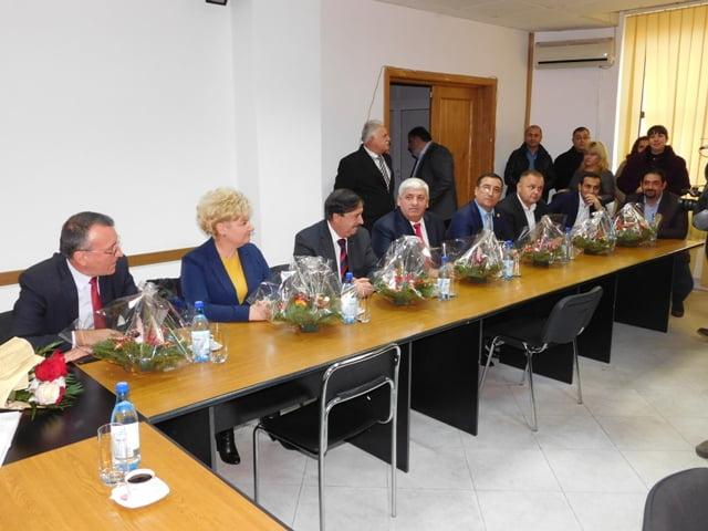 """Parlamentarii de Oltşi-au luat certificatele de """"aleşi"""". Gigel Ştirbu şi Florin Iordache au lipsit de la ceremonie"""