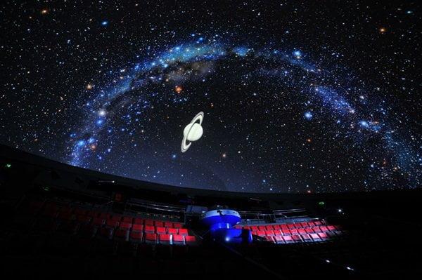 """Planetariu mobil, la Teatrul """"Anton Pann"""""""