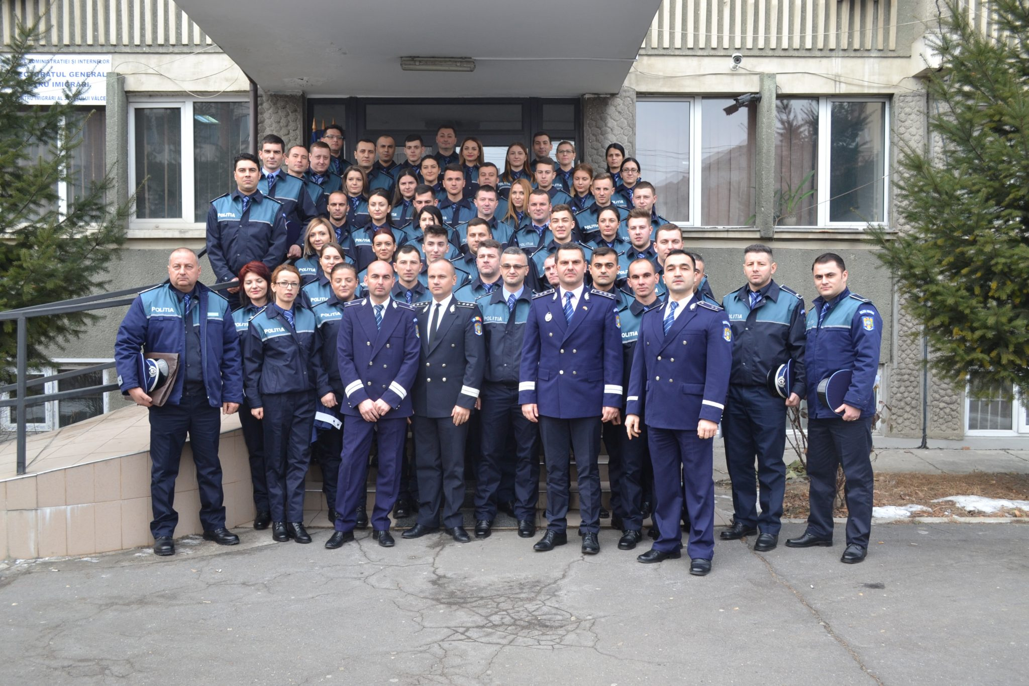 54 de poliţişti au depus jurământul la IPJ Vâlcea