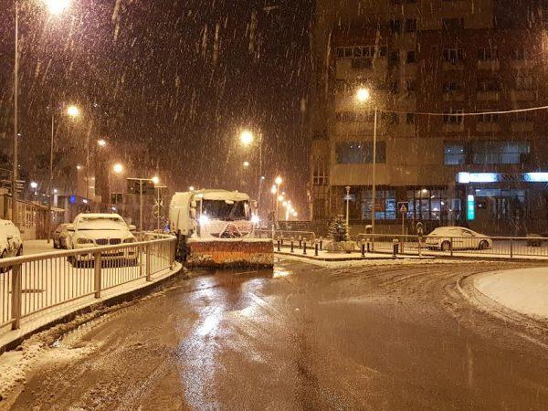 COD GALBEN de ninsori și viscol. Situația în Craiova și județ