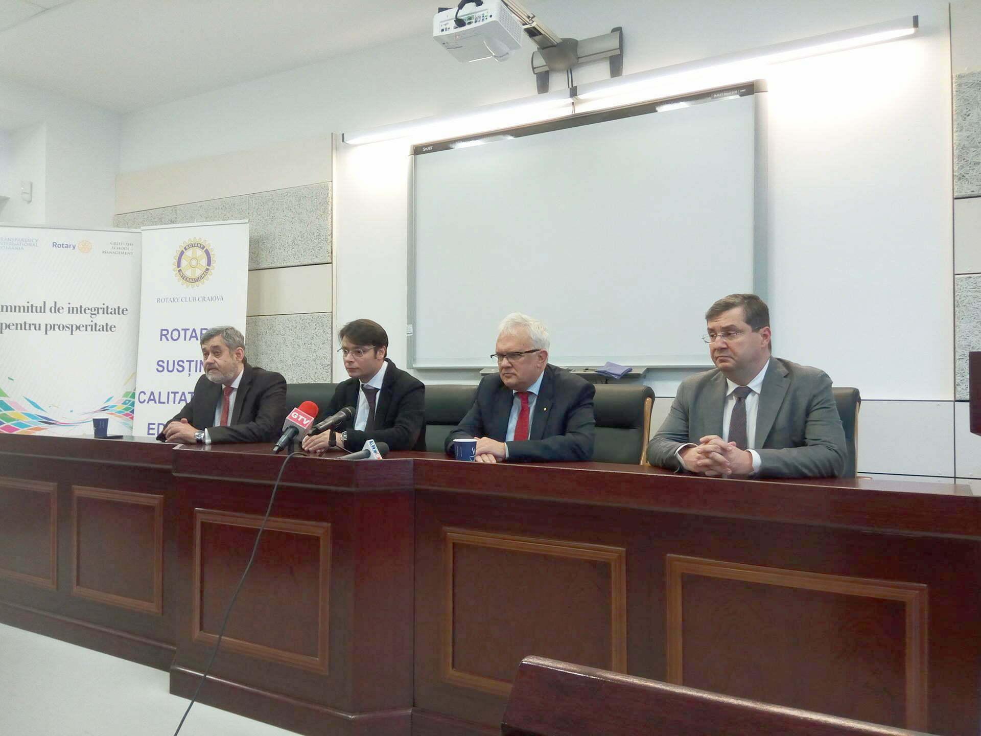 Despre integritate în afaceri, la Facultatea de Drept din Craiova