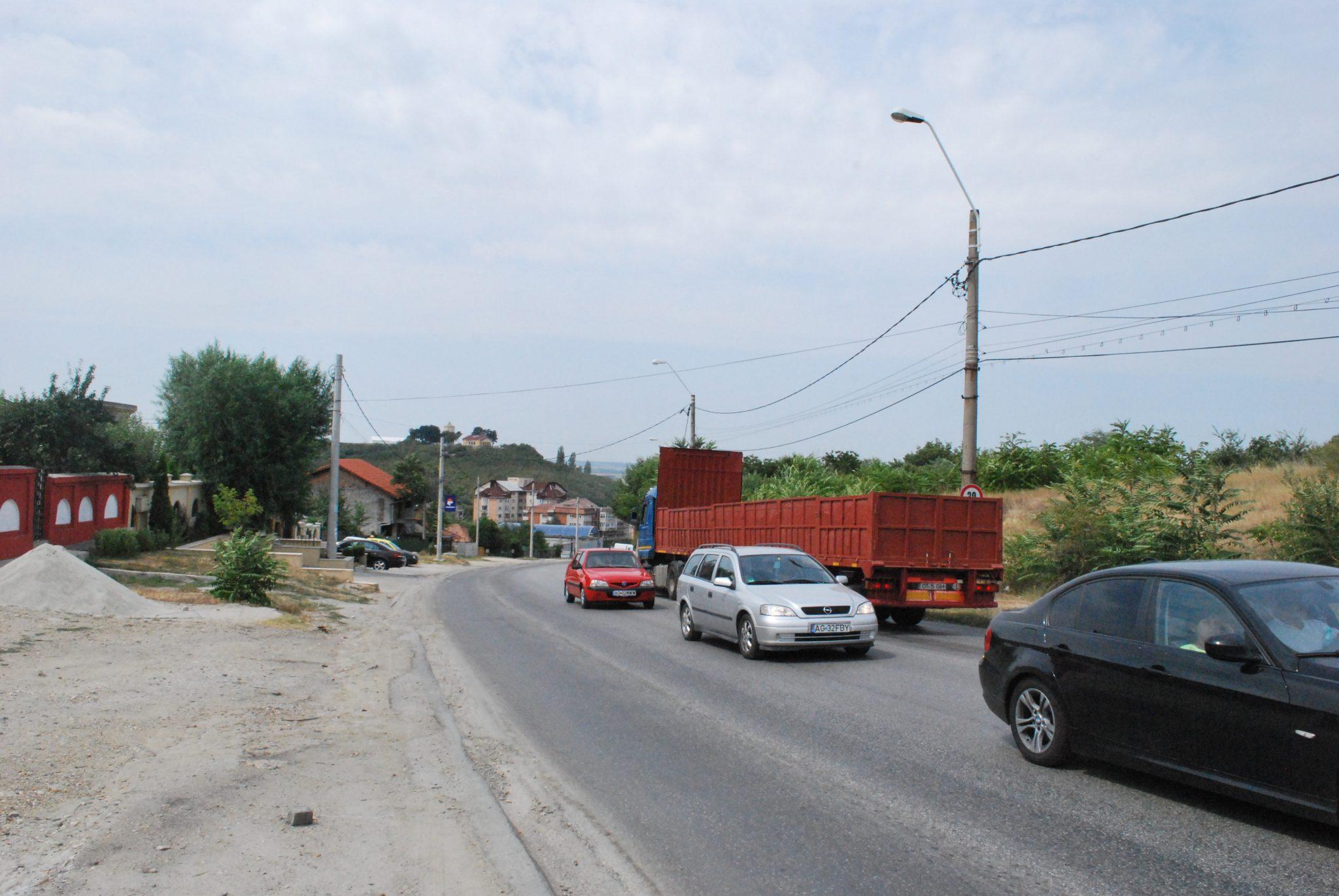 Primăria Slatina cheltuieşte 48 milioane lei pentru reabilitarea unei străzi ce serveşte drept variantă ocolitoare şi se află într-o stare deplorabilă