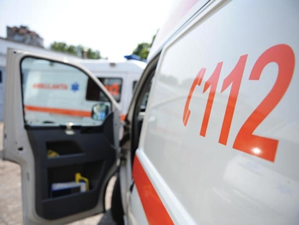 Ambulanţa Corabia, trasă pe dreapta. 13 angajaţi, sub control judiciar