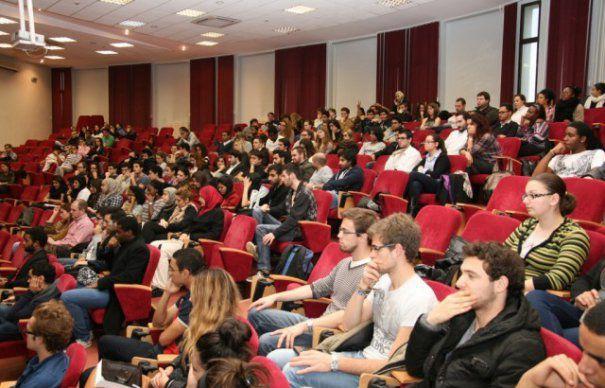 Locuri de muncă pentru studenții din Oltenia, în Germania