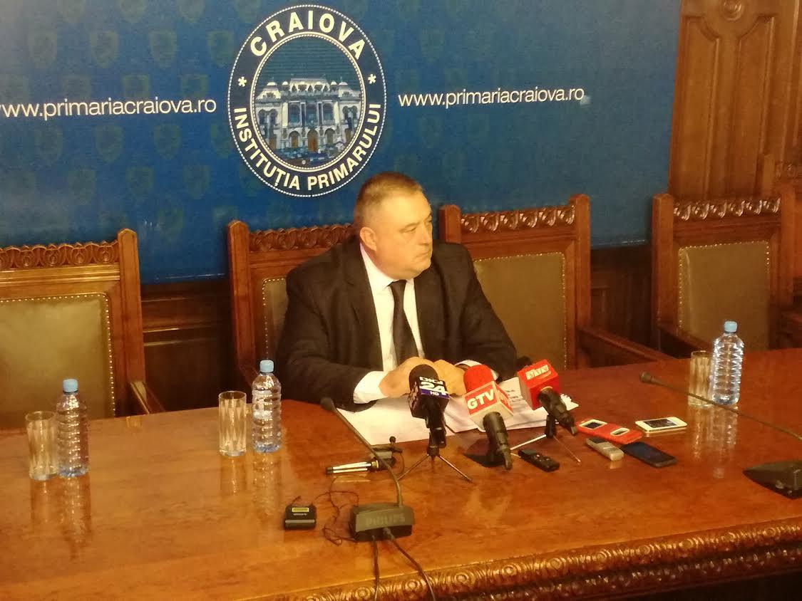 Primăria Craiova spală rușinea Poliției Locale Craiova. Primarul mulțumește meșterilor populari și cere scuze public