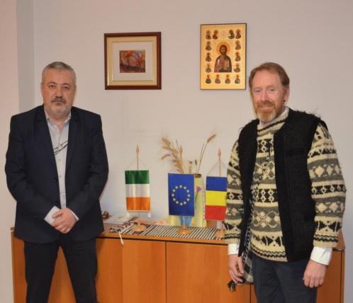 Irlandez pasionat de România, în vizită la Prefectura Vâlcea