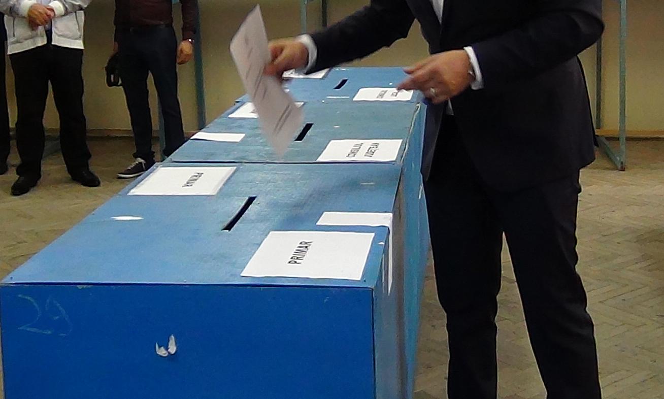 Mehedinți: Au fost înlocuiți unii președinți de secții de votare