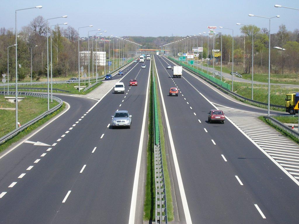 Firmele care vor construi primele tronsoane ale Drumului Expres Craiova-Slatina-Piteşti, anunțate în octombrie