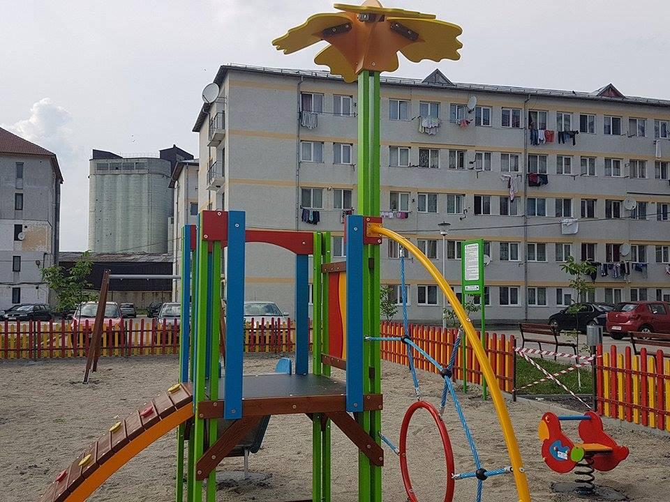 14 locuri de joacă din Târgu Jiu intră în reabilitare