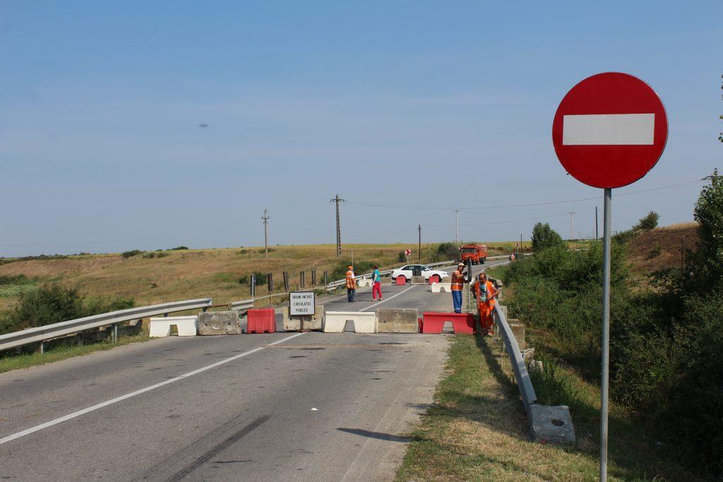 Olt: Podul de la Găneasa de pe DN 64, reconstruit abia anul viitor