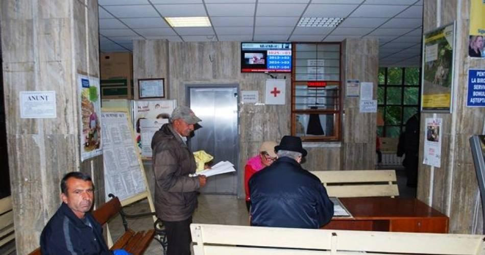 Iohannis a promulgat legea prin care slătinenii se pot pensiona mai devreme