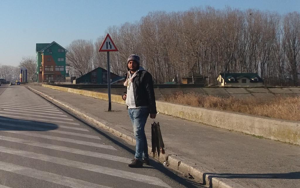 Vânzarea ilegală de peşte de la Podul Olt nu poate fi oprită