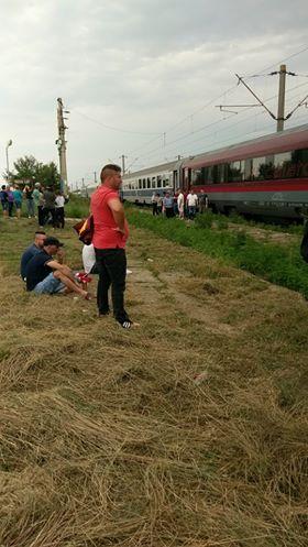 Tren blocat în câmp