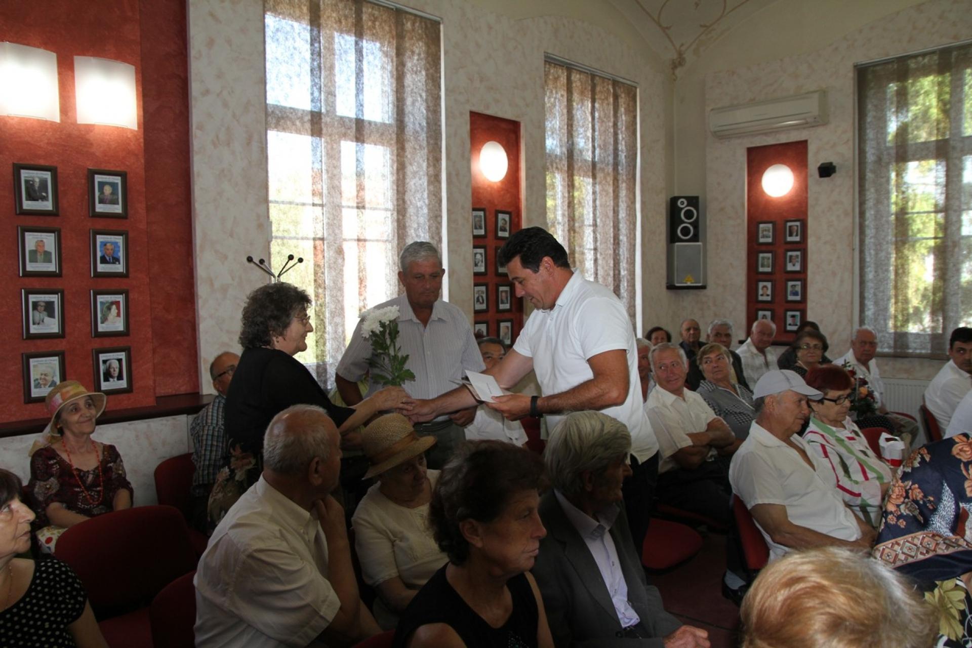 50 de ani de căsnicie, sărbătoriți la Primăria Râmnicu Vâlcea