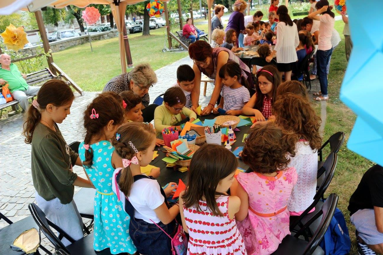 PUPPETS OCCUPY STREET – Air Edition/ Înscrieri la atelierele de creație din cadrul Festivalului