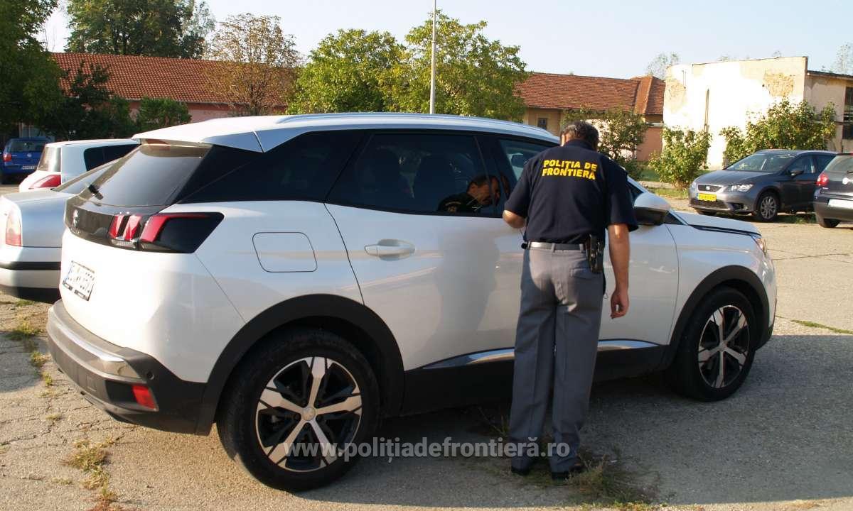 Autoturism, în valoare de aproximativ 20.000 de euro, indisponibilizat la Poliţia de Frontieră Drobeta