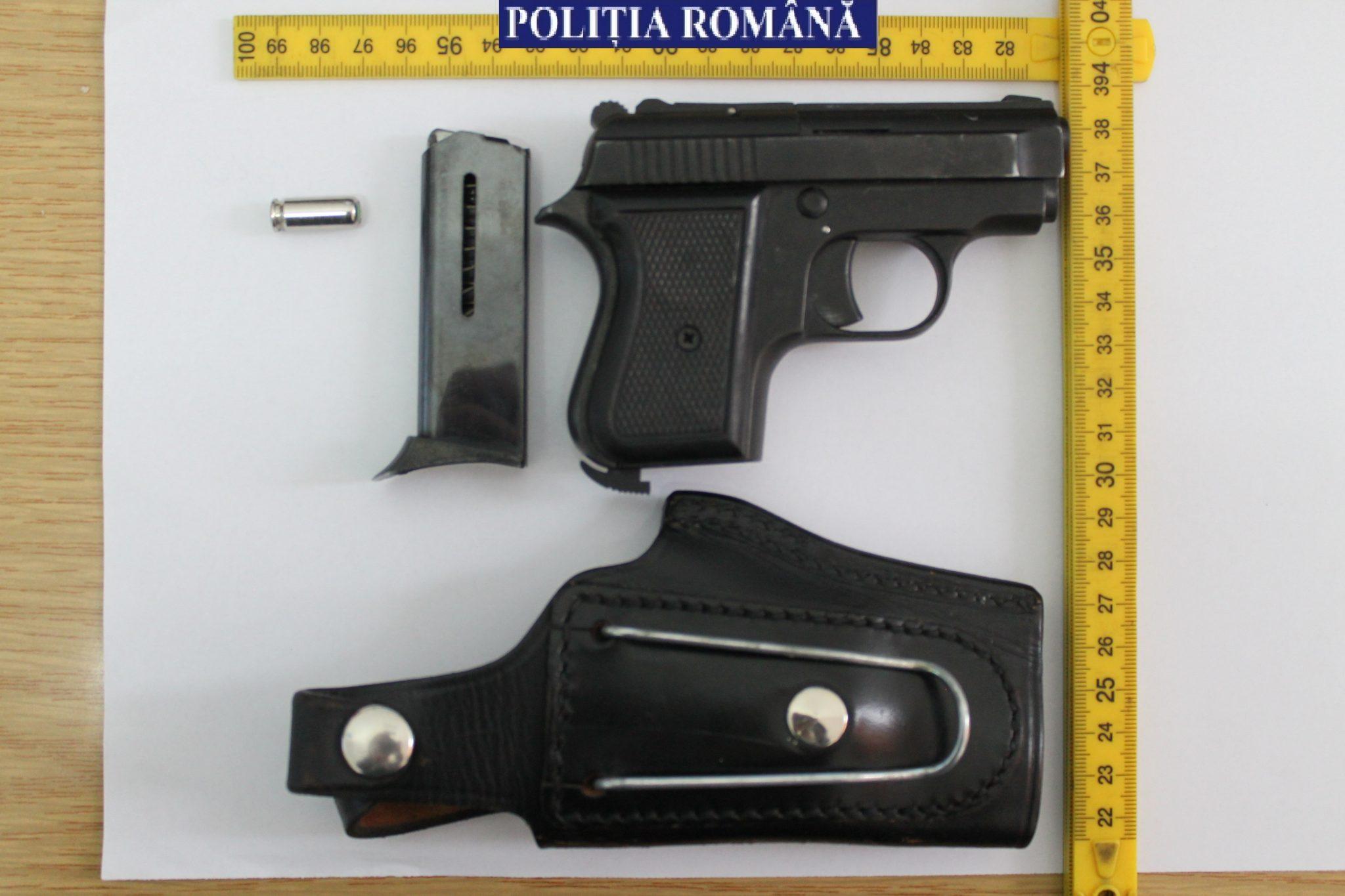 Pistolar penal la Eșelnița, prins de poliție