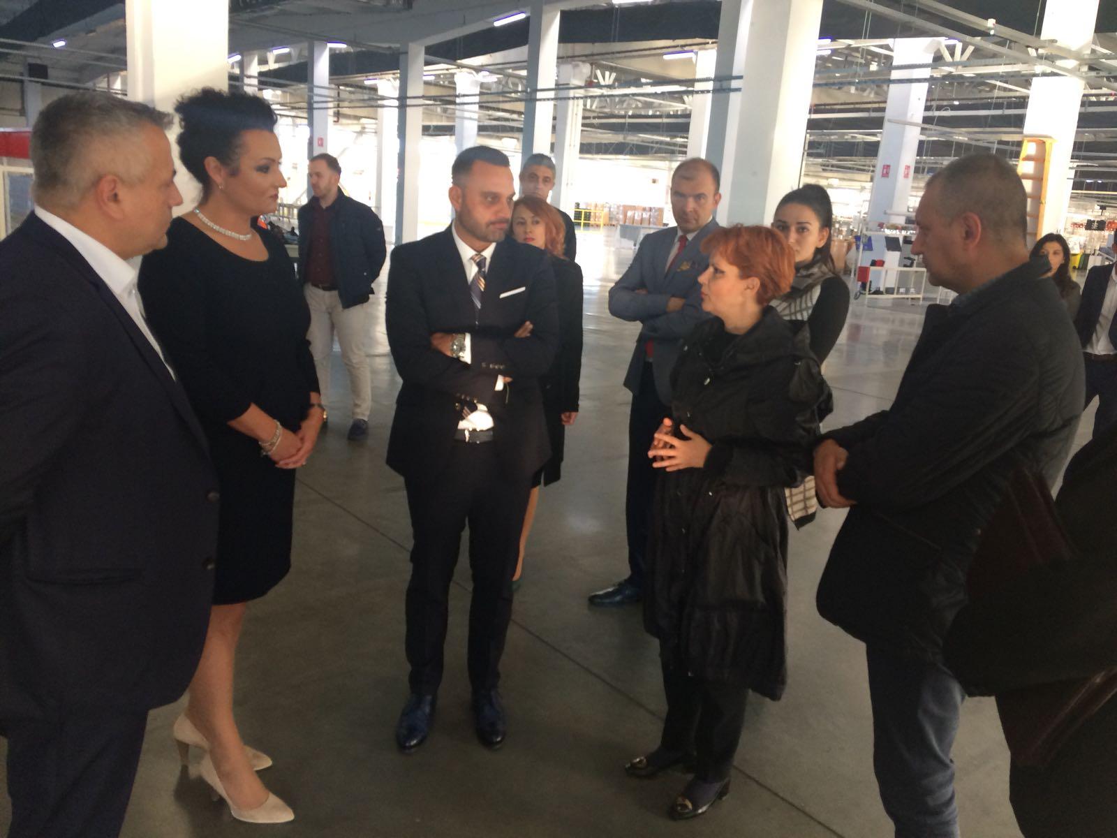 """Ministrul Muncii, vizită la o ,,multinațională"""" din Severin"""