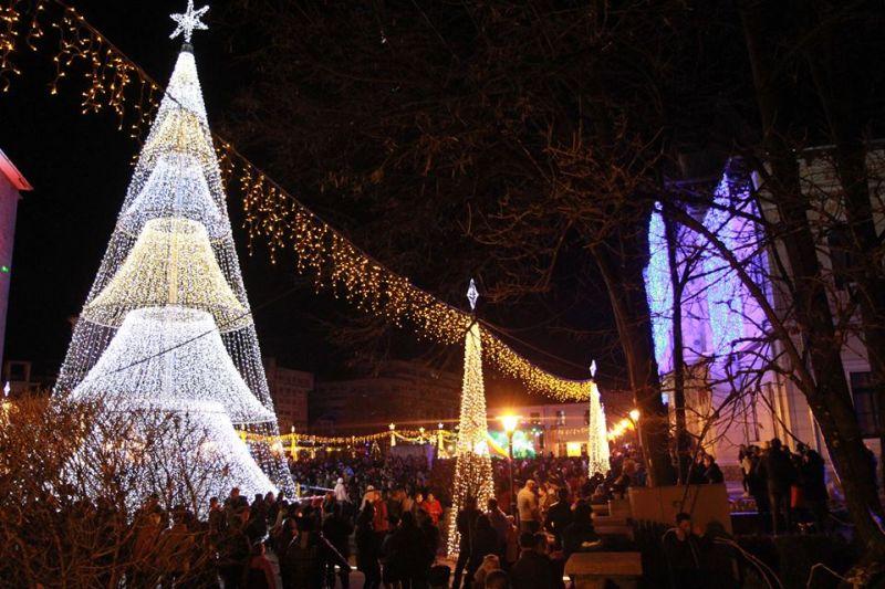 Iluminatul festiv pune probleme în Târgu Jiu