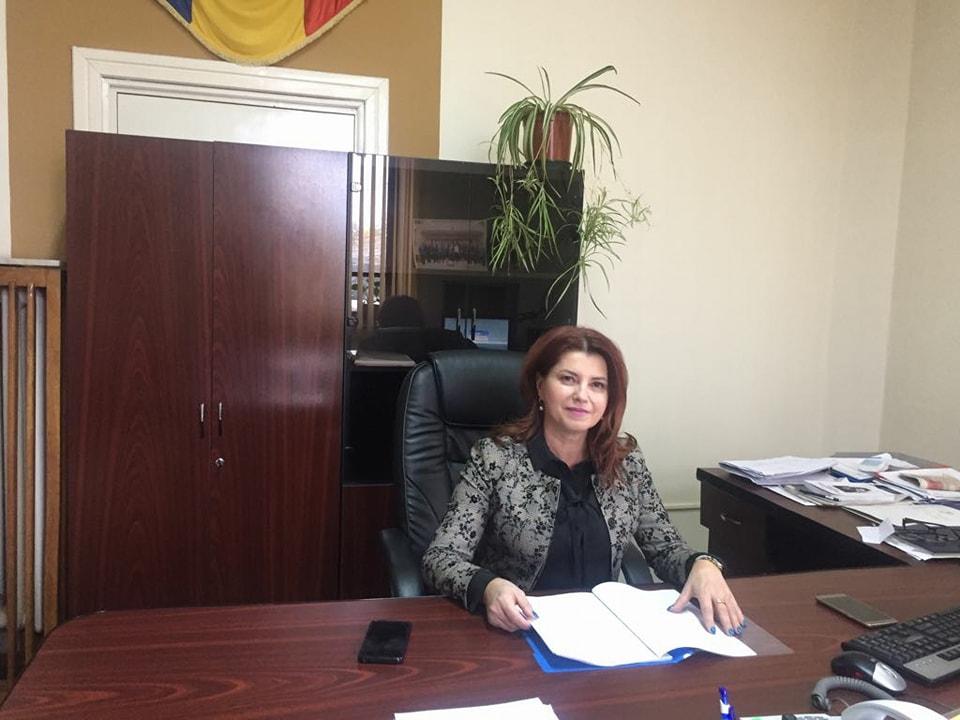 """Anișoara Stănculescu, ALDE Craiova: """"O femeie, dacă intră în politică, trebuie să fie consecventă"""""""