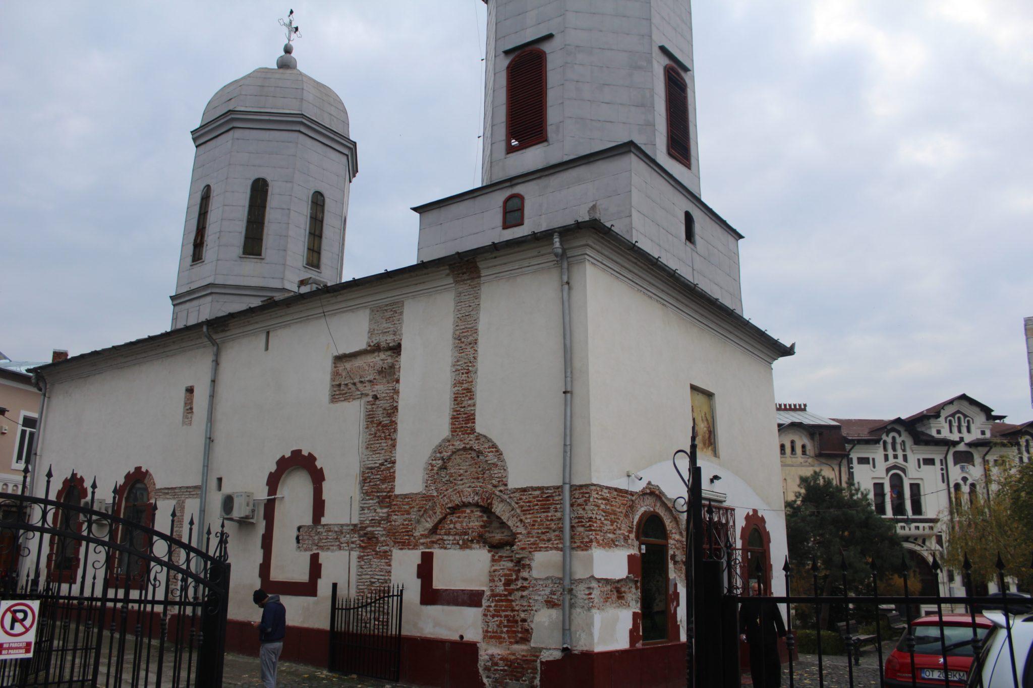 """Biserica """"Sfânta Treime"""" din Centrul Istoric al Slatinei, restaurată cu fonduri europene"""