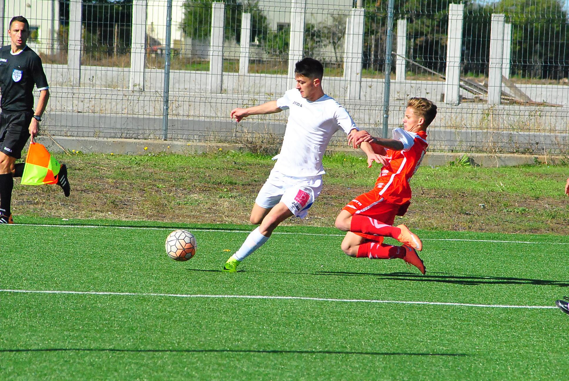 Fotbal juniori /CSU a dat 14 goluri vâlcenilor