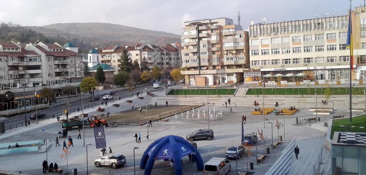 Râmnicu Vâlcea. Wi-fi gratis,în Scuarul Mircea cel Bătrân