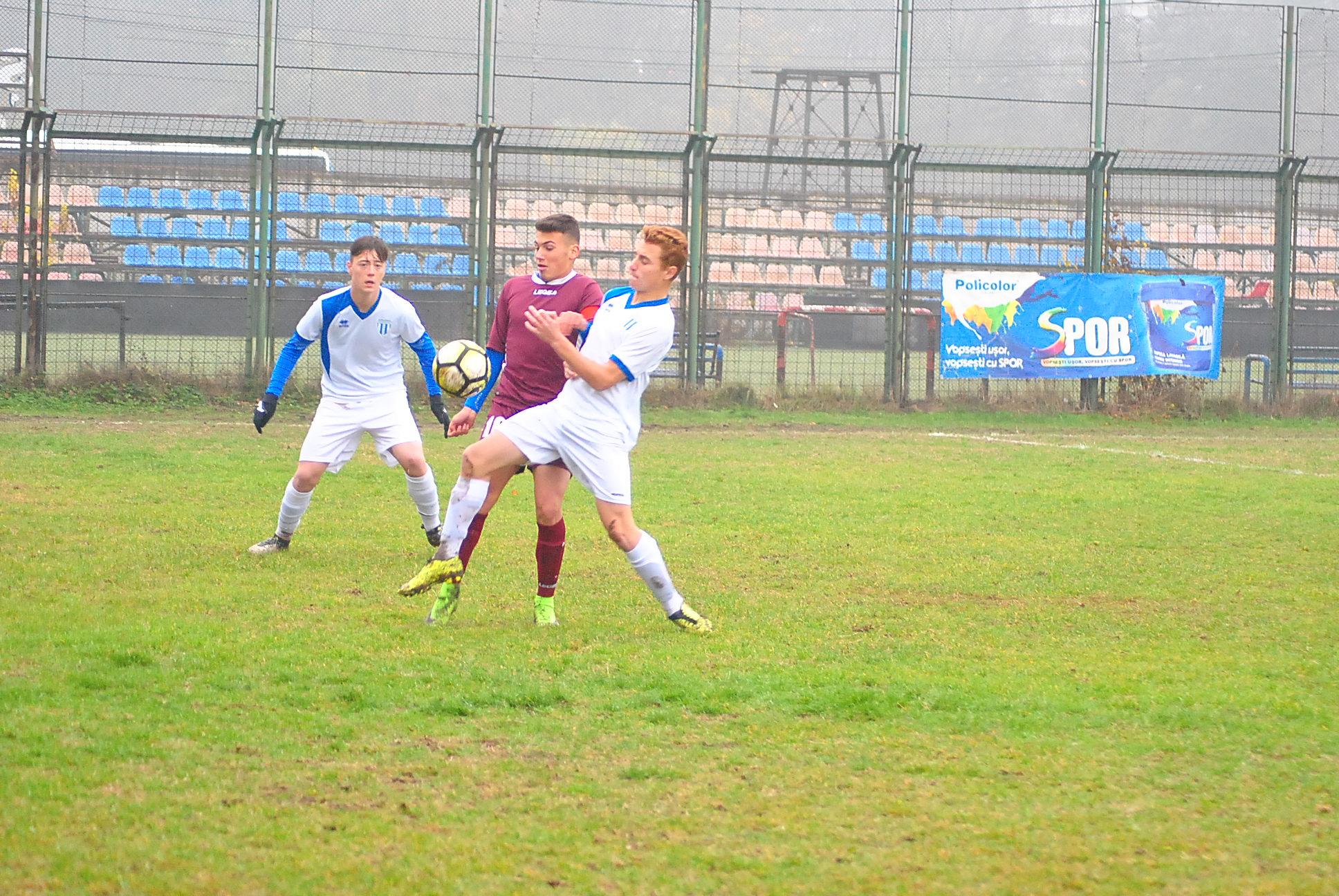 """Fotbal, juniori/""""GP-ul"""", dublu succes la final"""