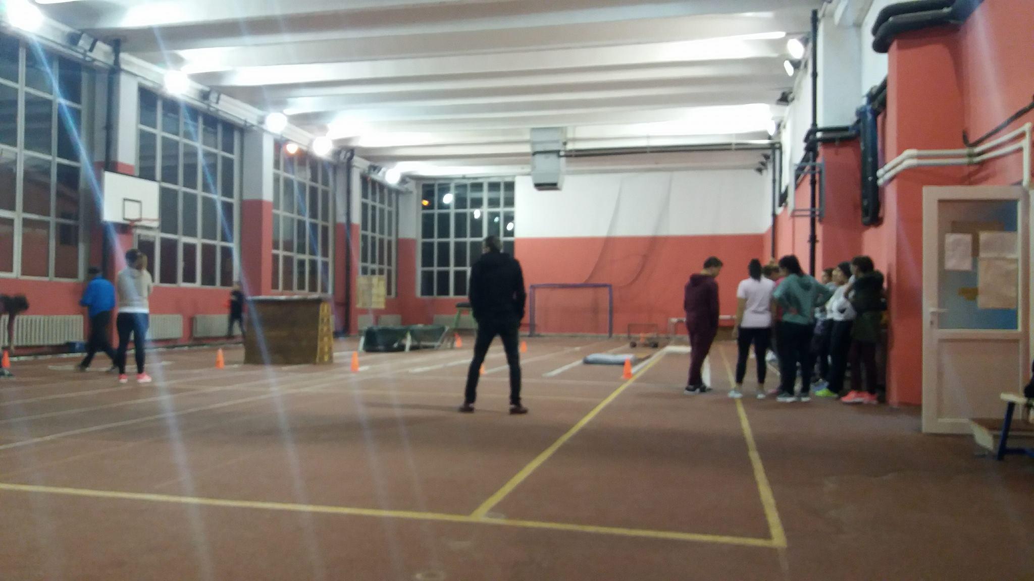 Sute de tineri din Dolj se pregătesc intens pentru admiterea la școlile de poliție