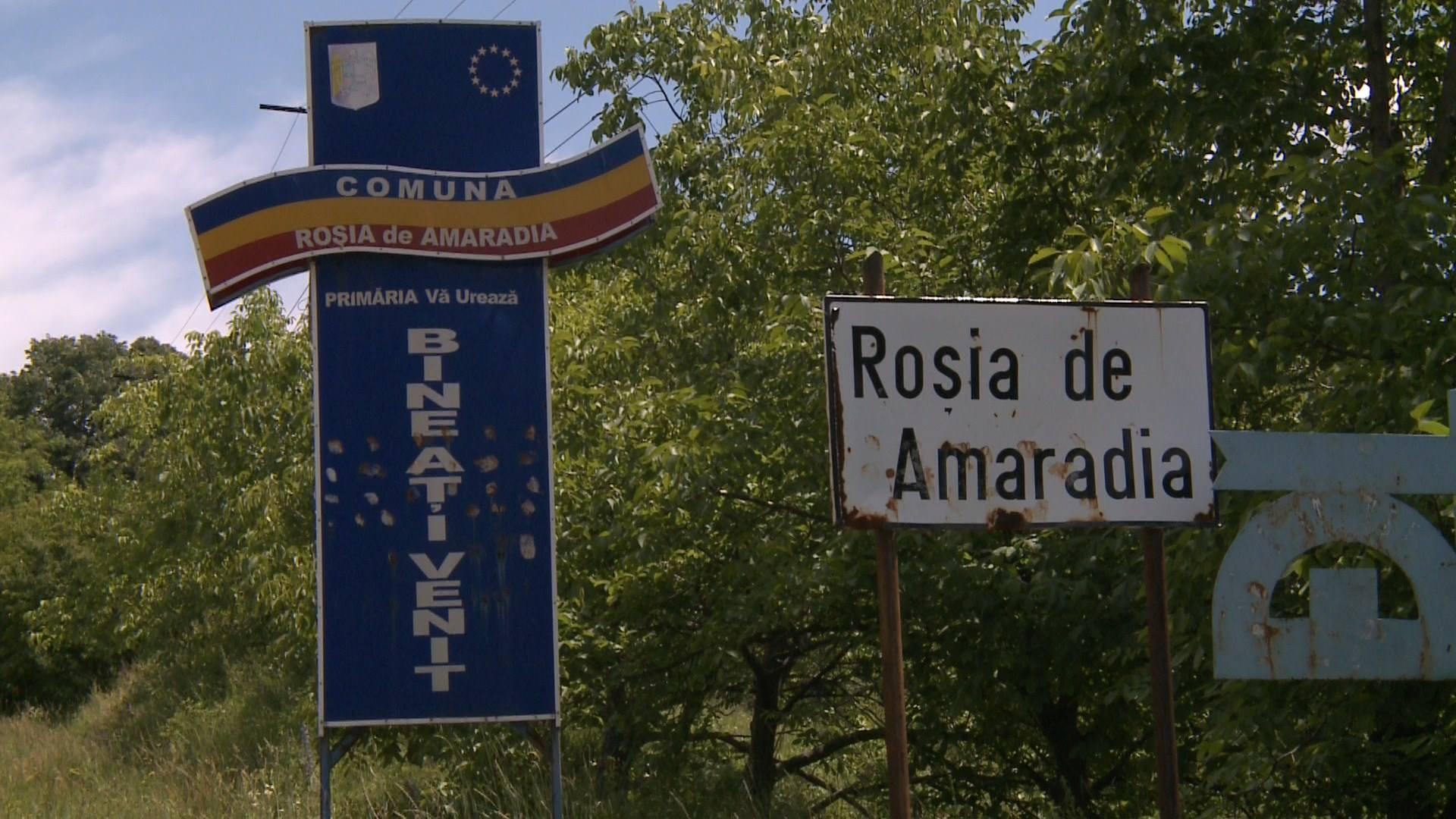 Angajații Primăriei Roșia de Amaradia, cu salarii restante de două luni