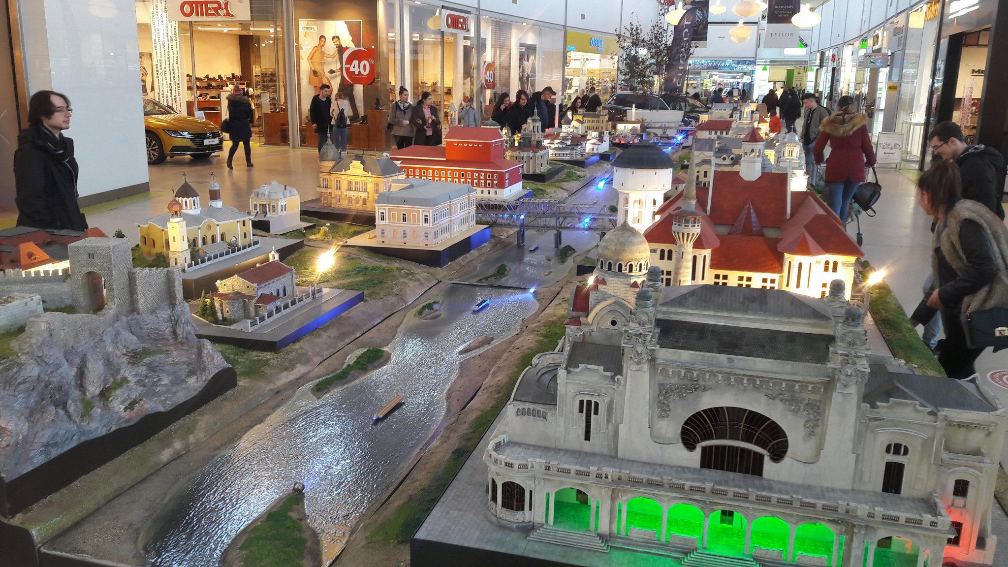 Foto/Video. Oraşele Dunării, în expoziţie la mall