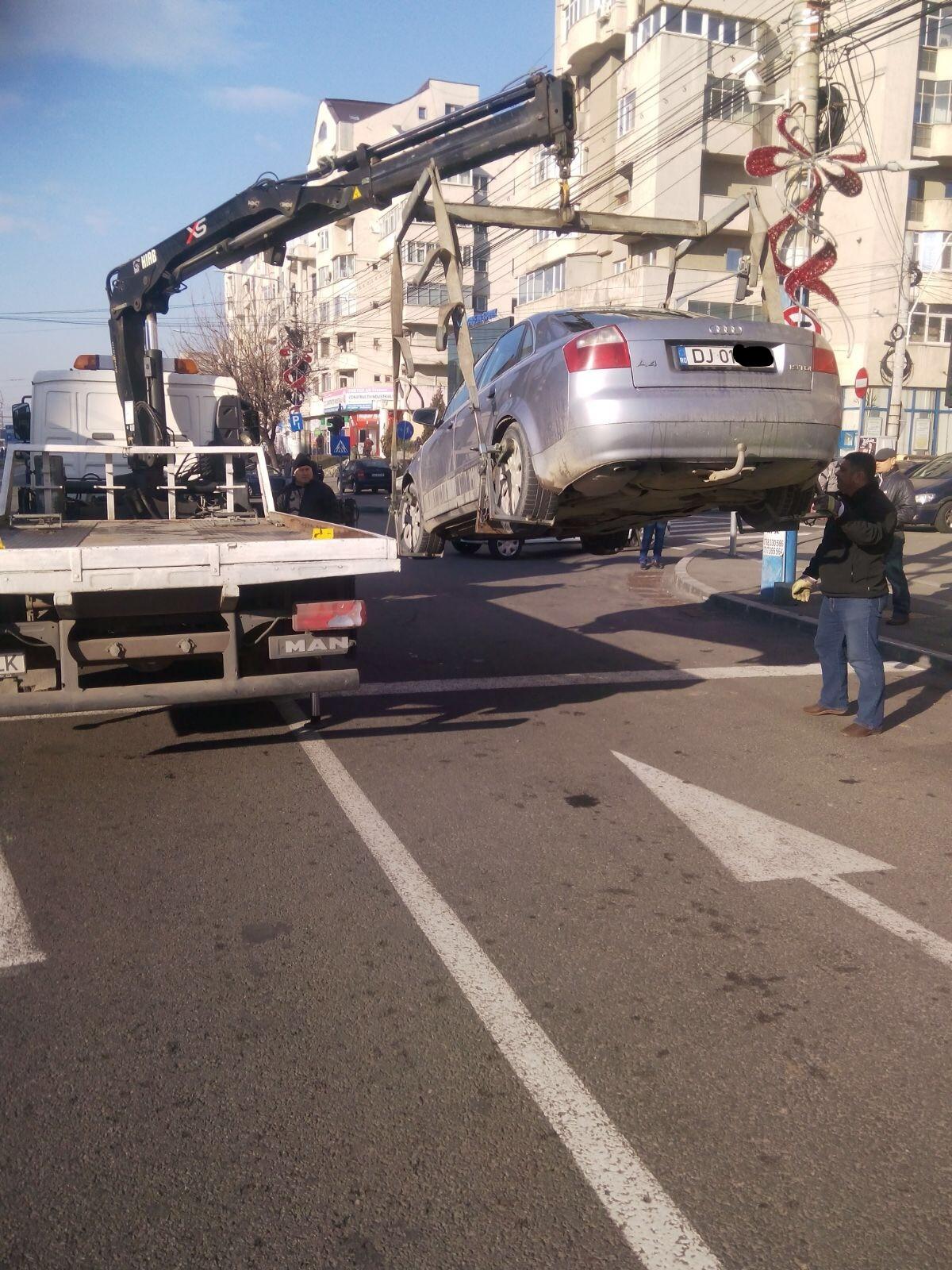 Peste 1.000 de mașini ridicate de Poliția Locală Craiova