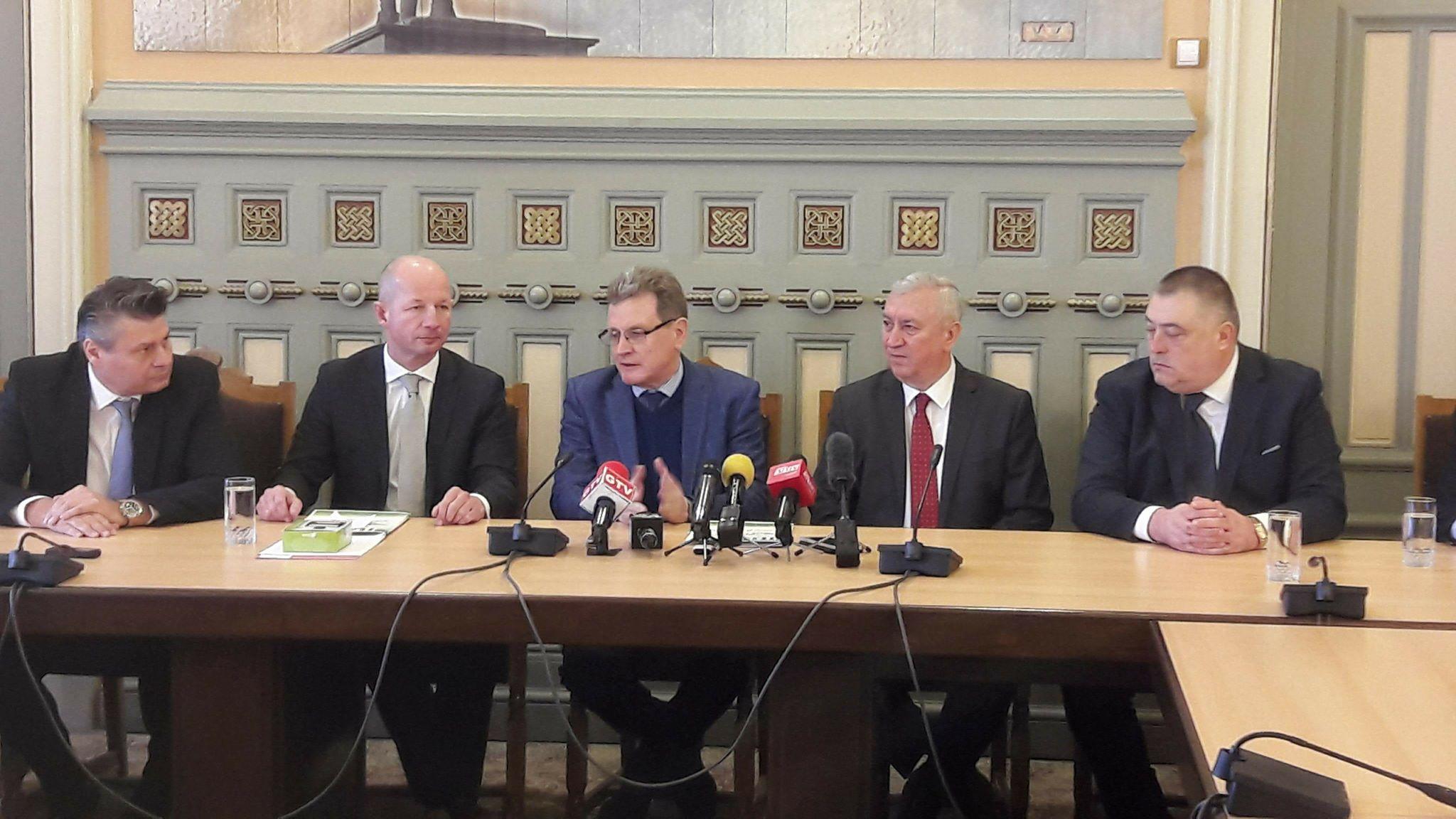 Investitori germani, la Craiova. Vor crea 500 locuri de muncă