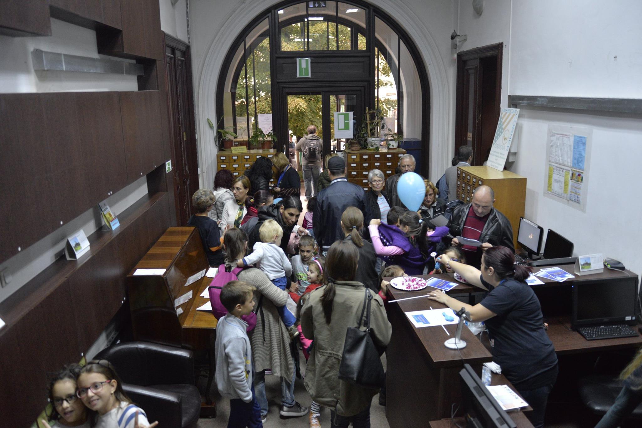 Biblioteca Aman: Acces gratuit la colecțiile elibraryUSA și JSTOR
