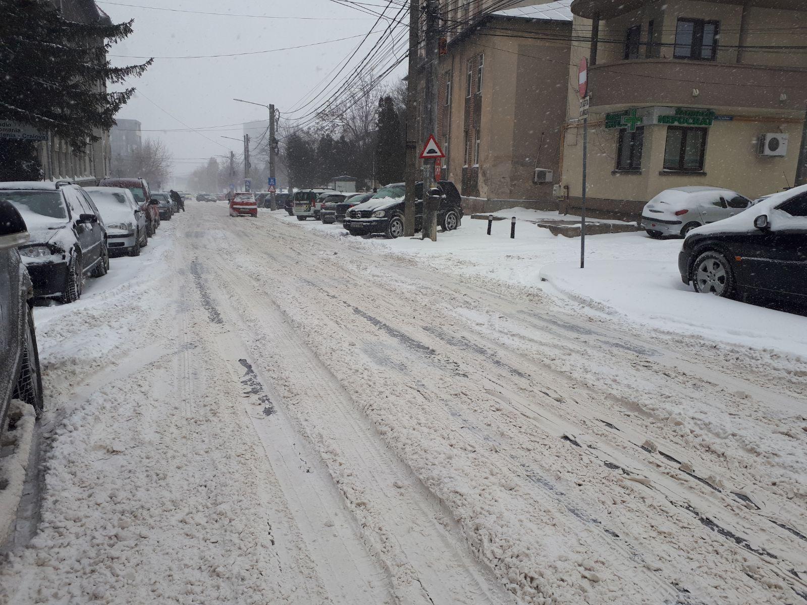 FOTO/ Craiova înzăpezită