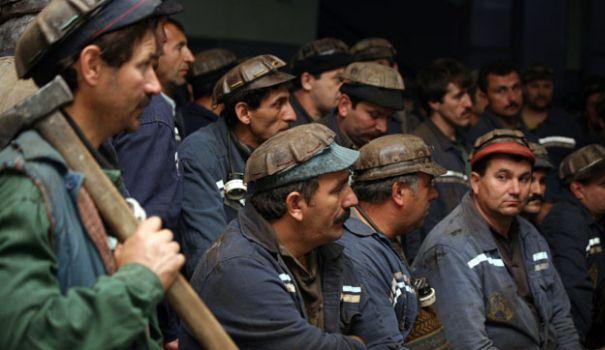 Salarii mai mari pentru mineri, din februarie