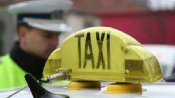Accident cu taxi. Doi oameni, la spital