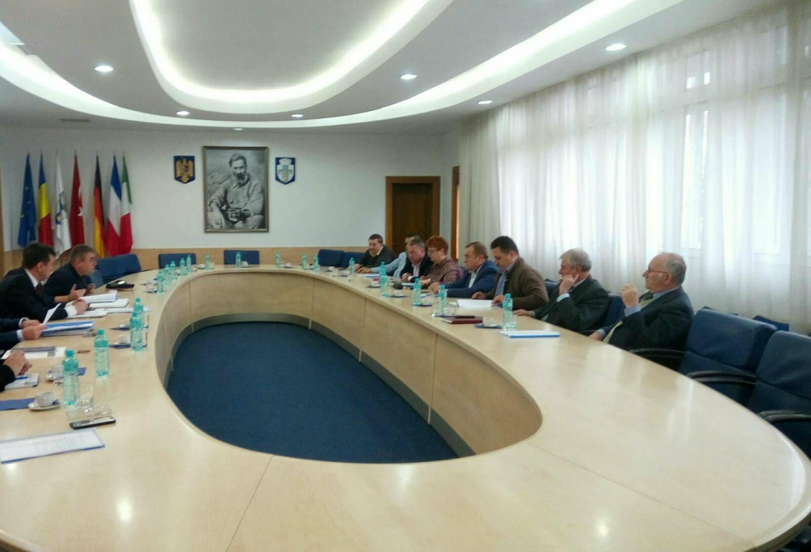 Gorj: Discuții despre înființarea unei asociații de dezvoltare intercomunitară